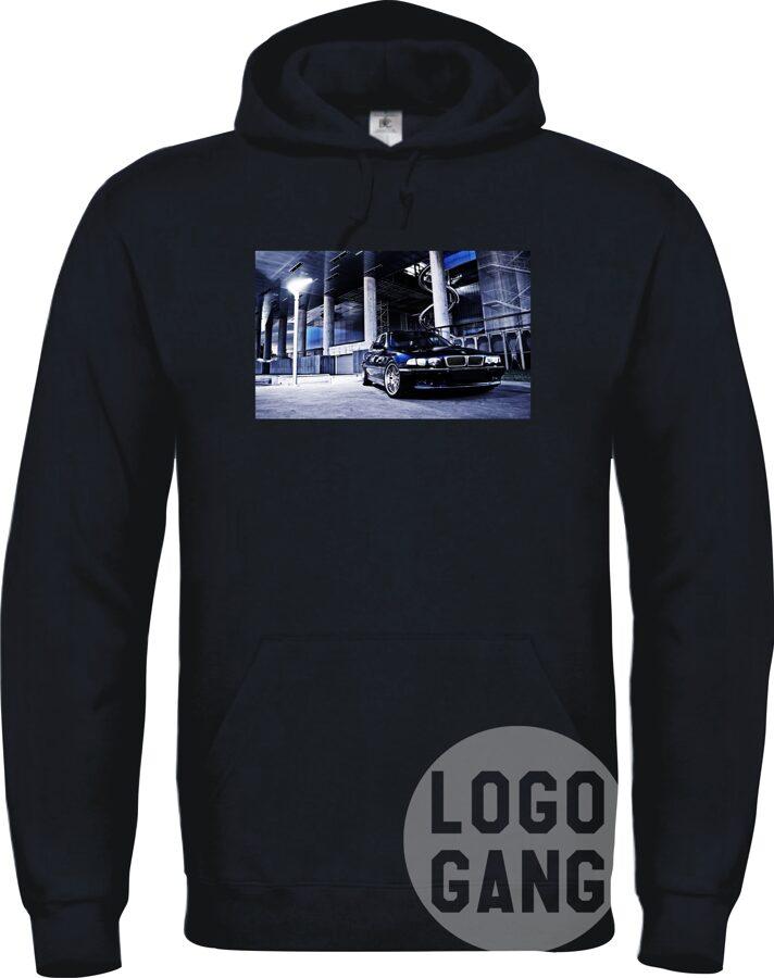 Džemperis su spalvotu paveiksliuku arba foto