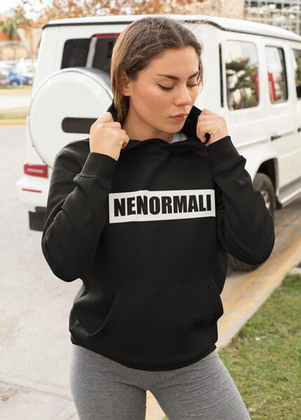 Nenormali džemperis